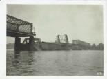 Die Trümmer der Brücke