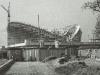 Fertigstellung des Daches über dem Auditorium vor der Vervollständigung des Außendaches