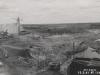 Linkes Ufer im Bereich der Sperrenbaugrube nach dem Hochwasser Februar/März 1941. Im Vordergrunde Wiederherstellung des Oberstrom-Landanschlusses des Zellenfangedamm.