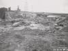 Uferanschluss des Fangedamm der Baugrube II - Oberwasser nach dem Bruch durch das Hochwasser im Mai 1941. Ansicht von Unterwasser.