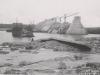 Uferanschluss des Fangedamm der Baugrube II - Unterwasser nach dem Bruch durch das Hochwasser im April/Mai 1941. Ansicht von Unterwasser.